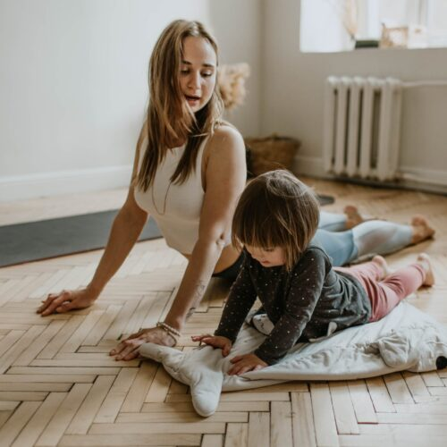 Family Yoga + Meditation & Workout with Ania Chee & 4 Leaf Kids